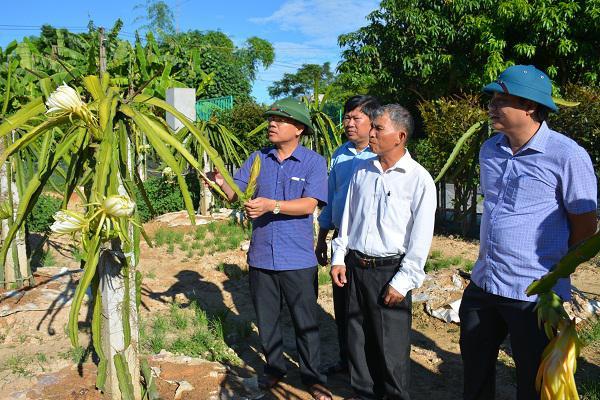 UBND huyện Kỳ Anh kiểm tra và làm việc với xã Kỳ Văn về xây dựng Nông thôn mới.