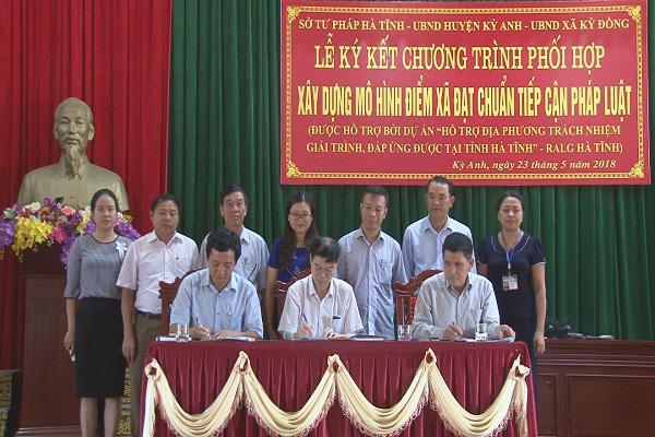 Sở Tư pháp: Ký Kết Chương Trình Phối Hợp xây dựng mô hình điểm xã đạt chuẩn tiếp cận Pháp Luât tại xã Kỳ Đồng.