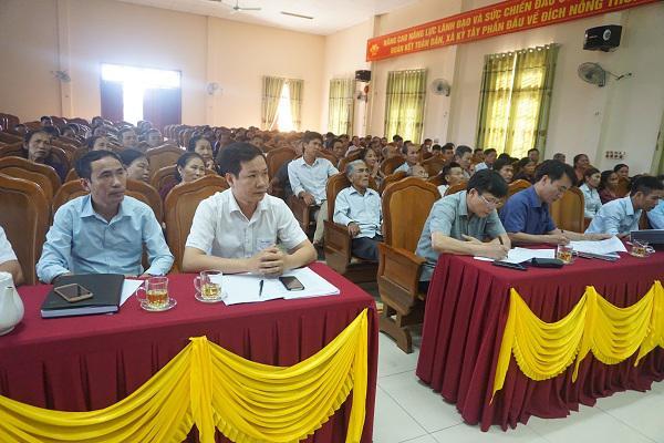 Đại biểu tham dự giao ban Nông thôn mới vào sáng thứ 7 tại xã Kỳ Tây.