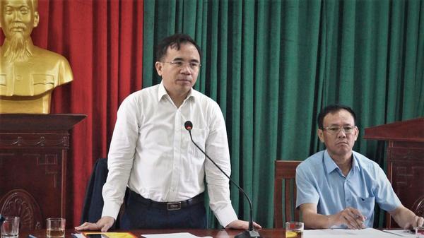 Đồng chí Bùi Quang Hoàn, Chủ tịch UBND huyện Kỳ Anh kiểm tra và làm việc với xã Kỳ Bắc về tiến độ xây dựng Nông thôn mới.