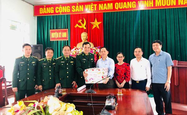 Bộ Chỉ huy Bộ đội Biên phòng tỉnh Hà Tĩnh Chúc tết huyện Kỳ Anh