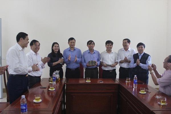 Bộ Chỉ huy Bộ đội Biên phòng Hà Tĩnh: Trao tặng 700 triệu đồng cho xã Kỳ Phú xây dựng Nông thôn mới