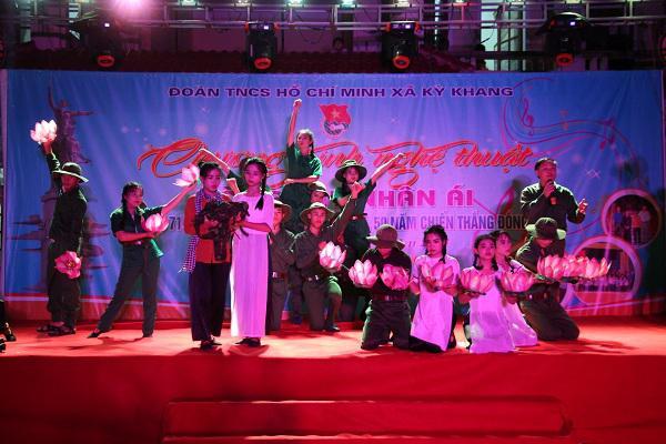 """Đoàn xã Kỳ Khang với chương trình nghệ thuật từ thiện """" Vòng tay nhân ái"""""""