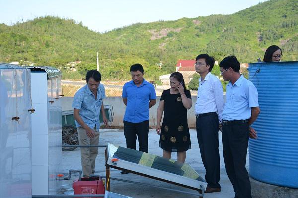 Khai trương khu chế biến HTX nước mắm ở vùng ven biển.